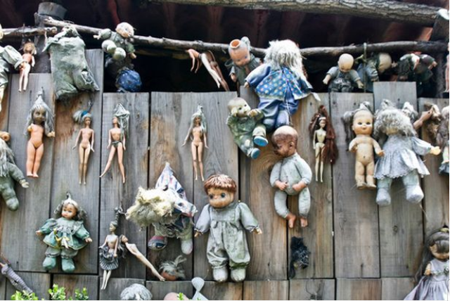 Checkout Inside the Scary Island of the Dolls Where Dark Tourists are 'haunted by drowned girl' 2