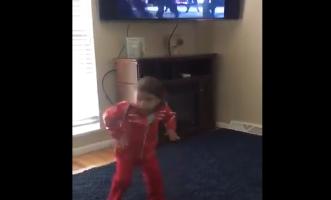 toddler imitating michael jackson 5